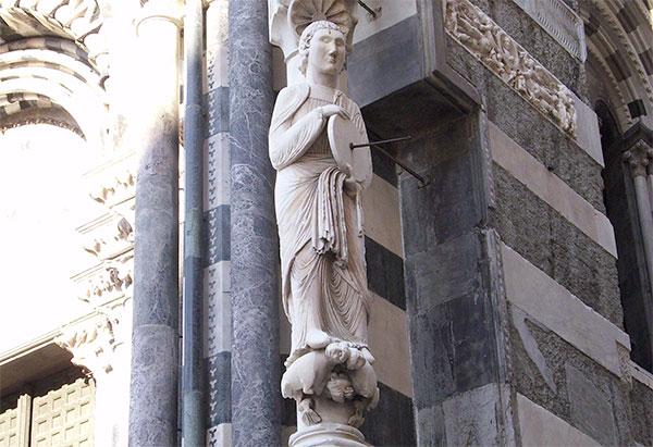 La statua dell'arrotino